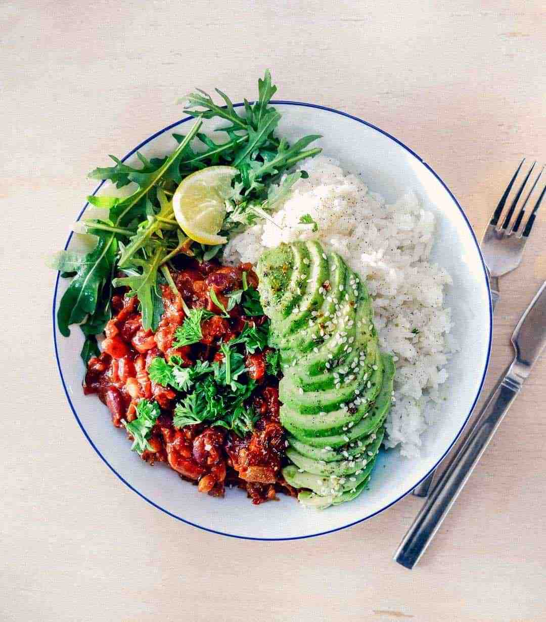 Spicy vegan dahl with kidney beans and lentils
