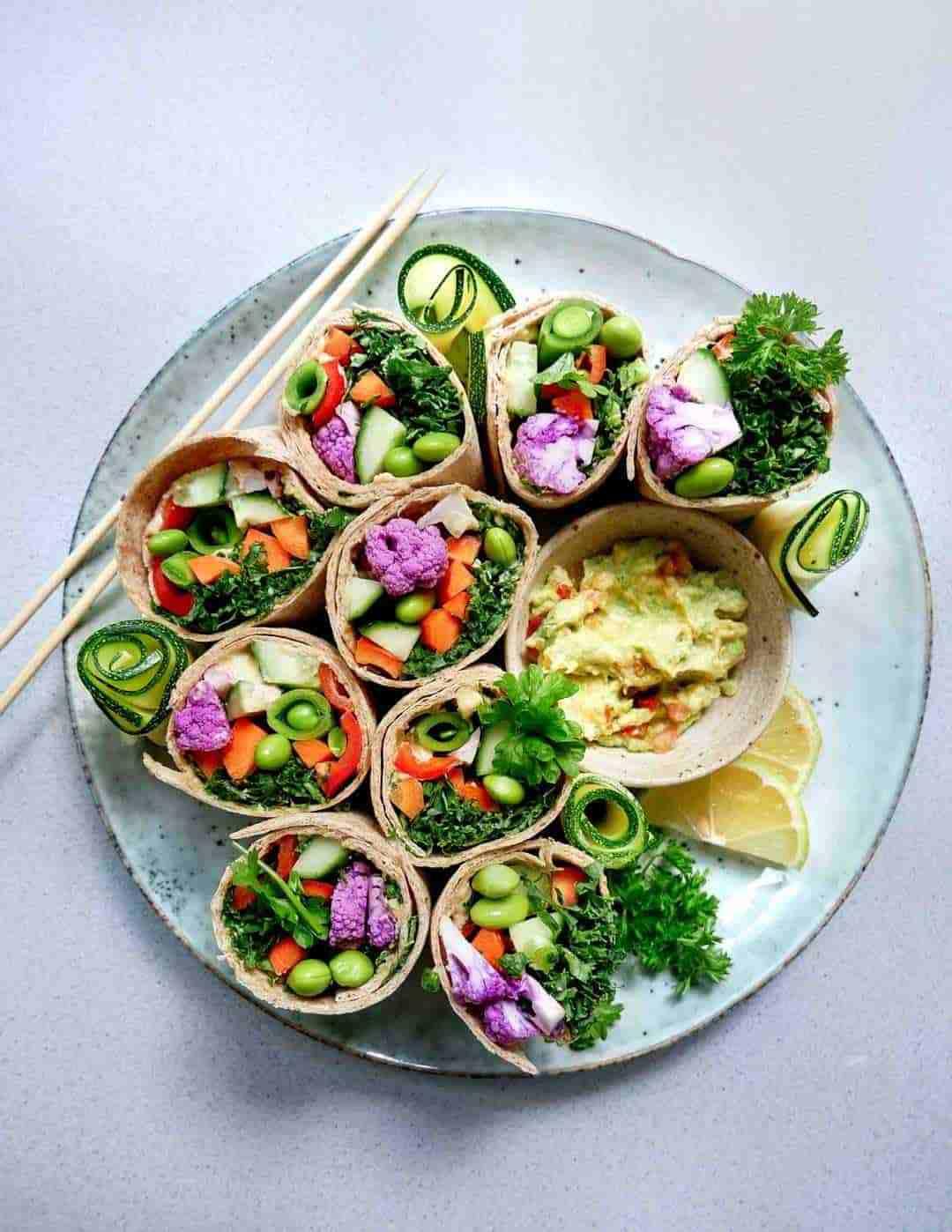 mexican guacamole wraps