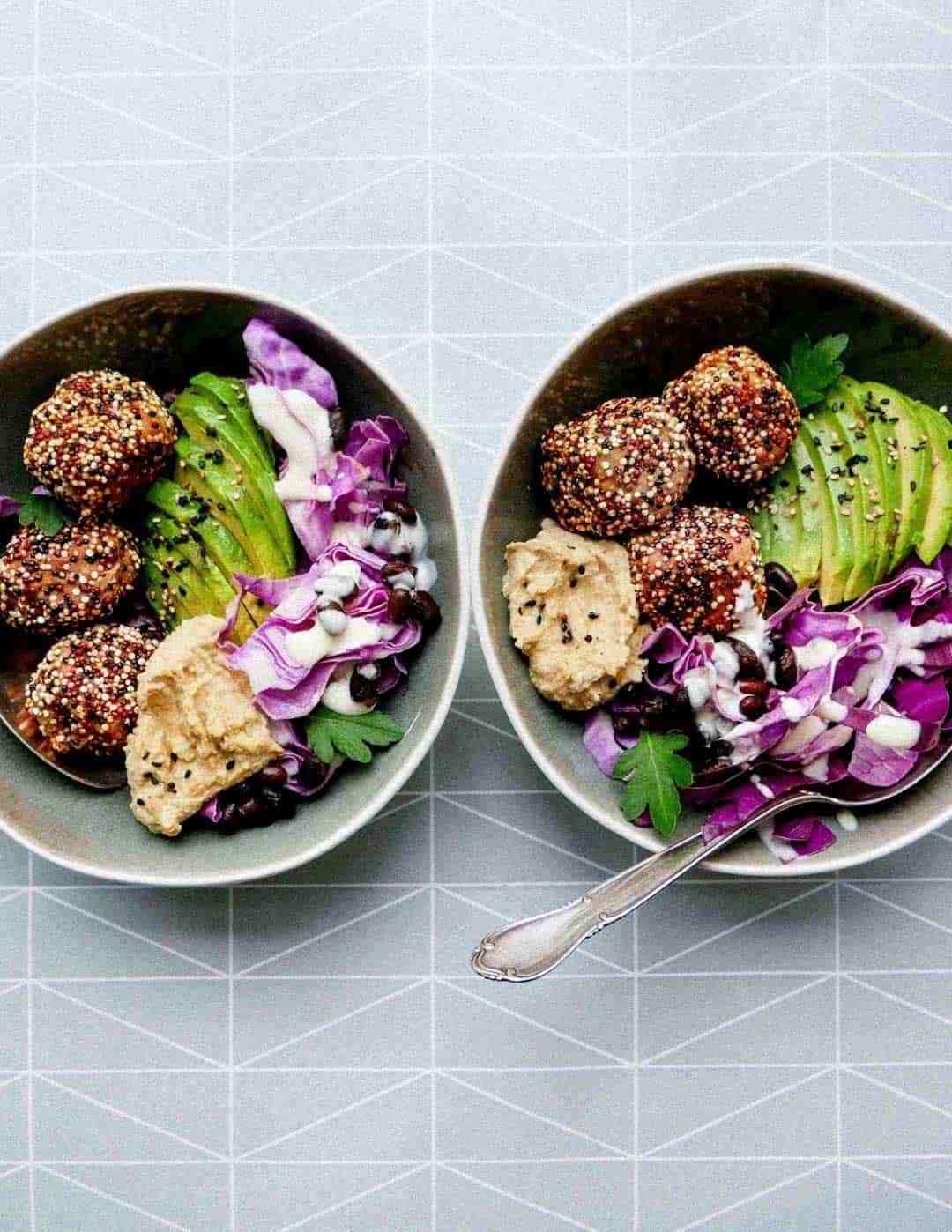 hummus falafels quinoa