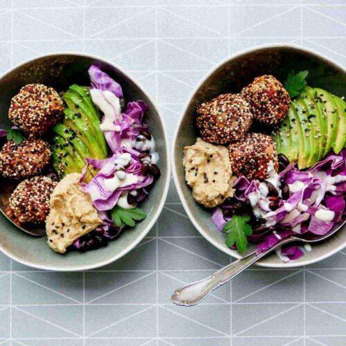 falafels-hummus-bowls