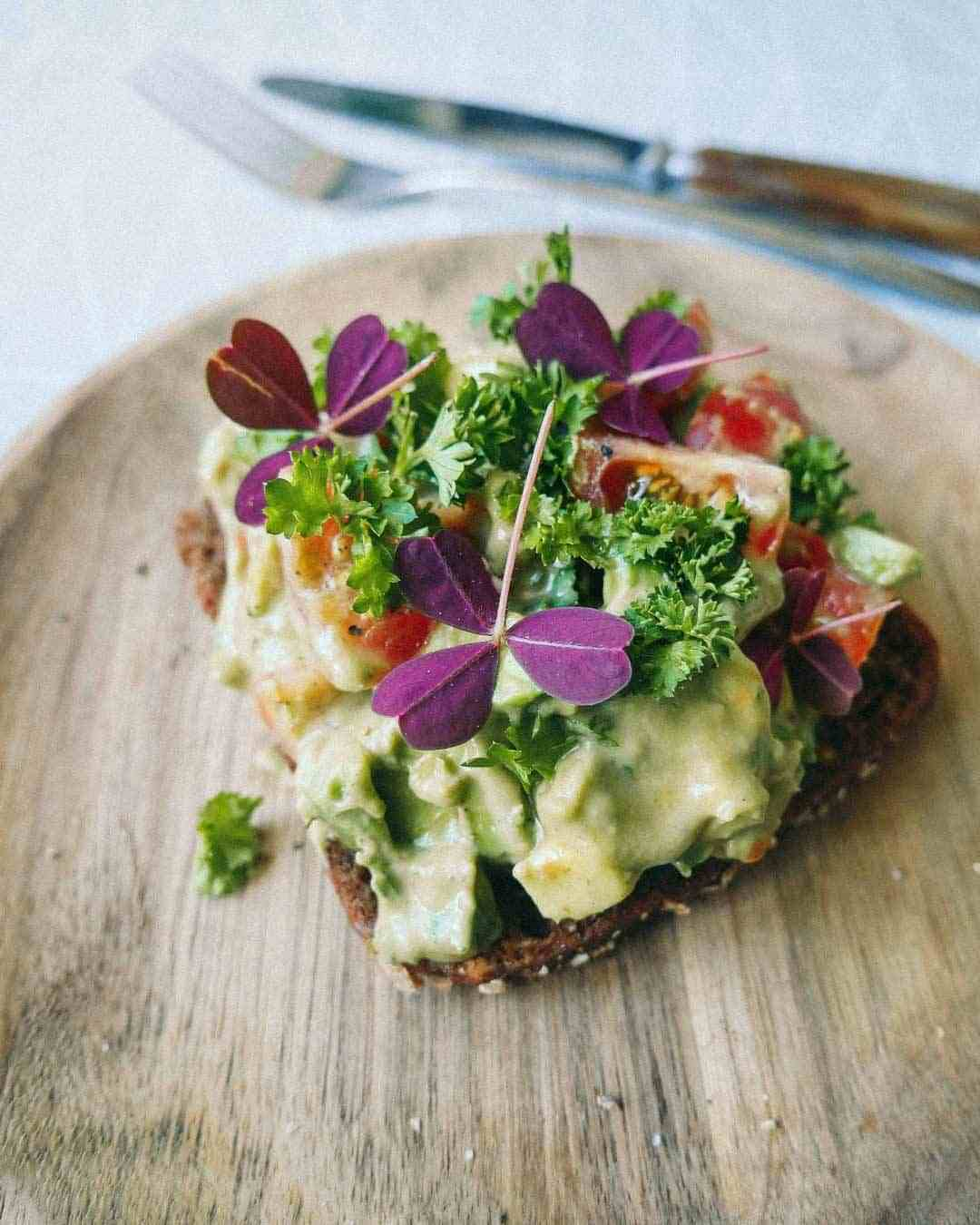 avocado-salad-bread