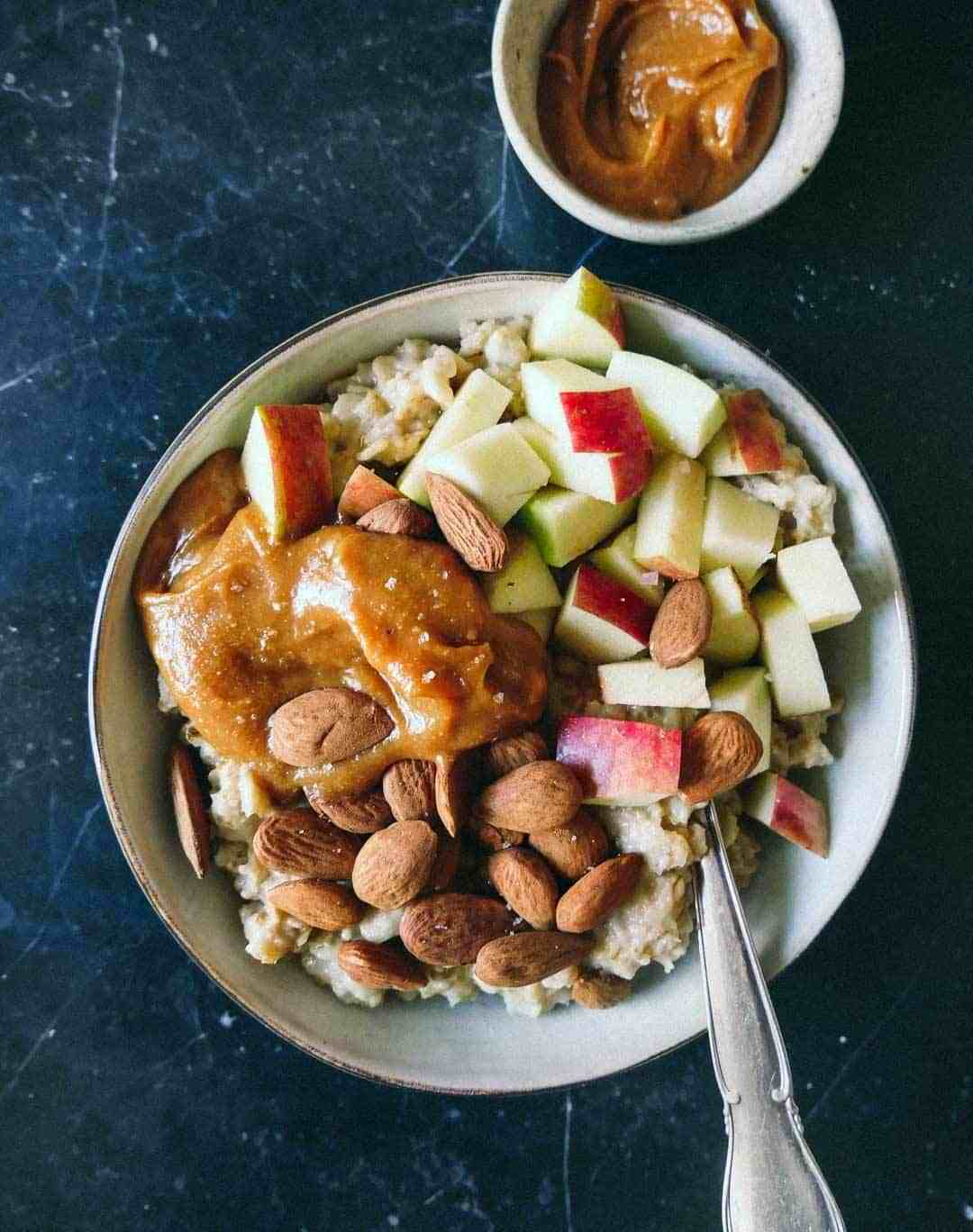 Caramel Oatmeal with Apples