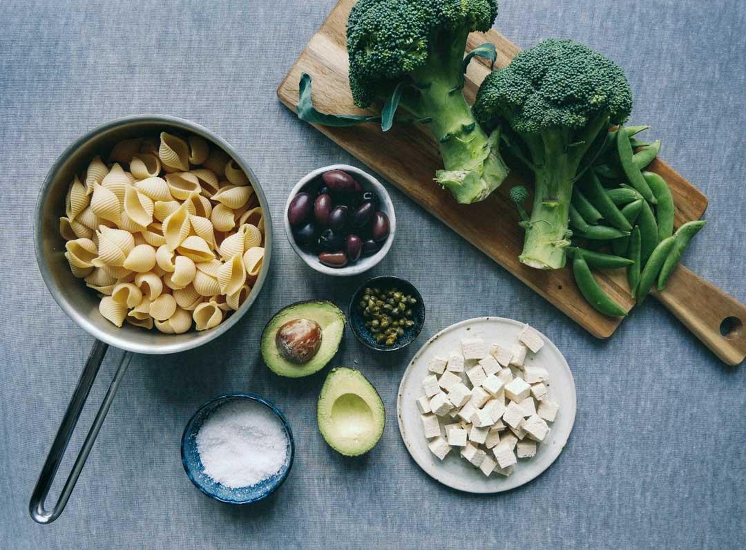 pastasalat-tofu-broccoli