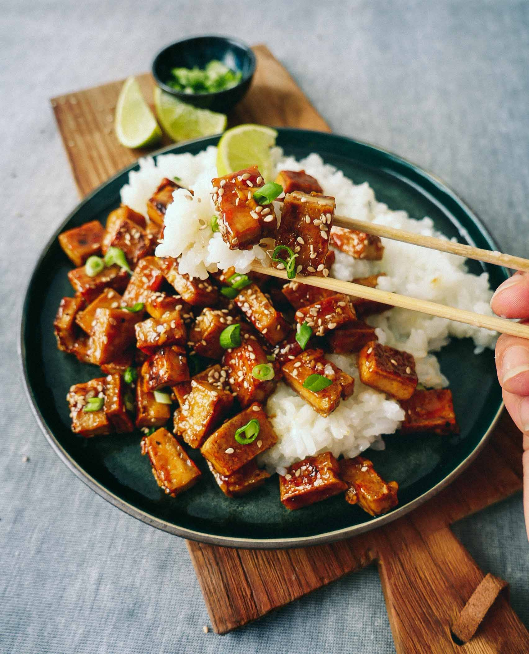 Fried caramelized tofu