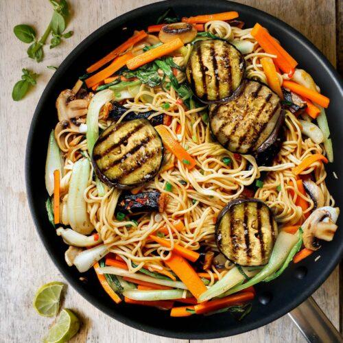 Stir-fried Noodles with vegetables vegan recipe