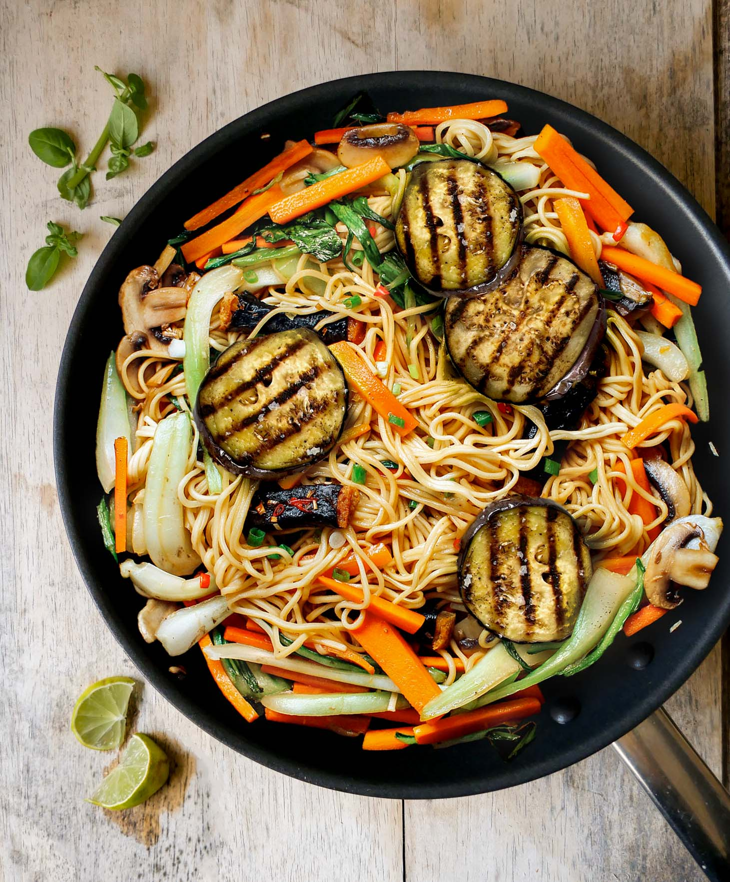 Stir-fried Noodles with vegetables vegan recipe